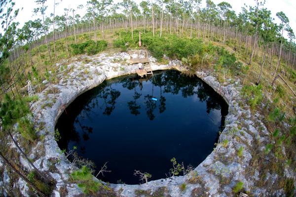 abaco-bahama-blue-hole