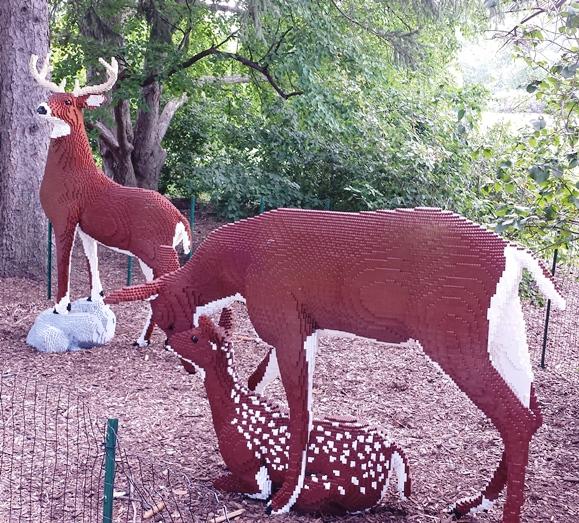 The family of deer - 84,442 blocks // 540 Hours